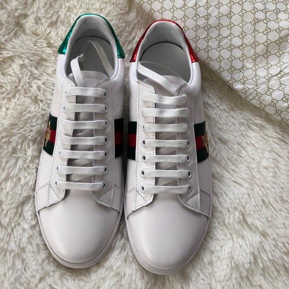 211c2e67e9c Women s Bee Gucci Shoes size 6.5US  39Euro.